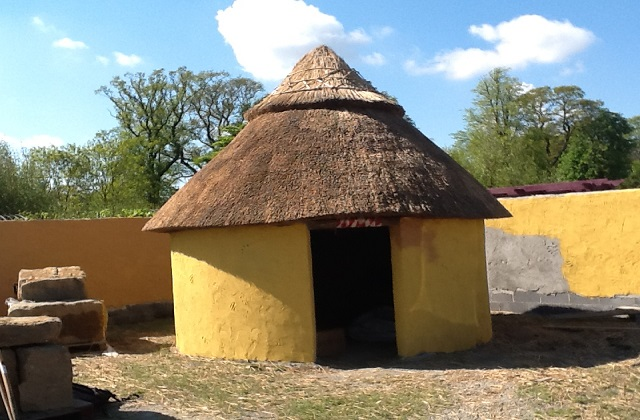 Thatching Wickow Ireland